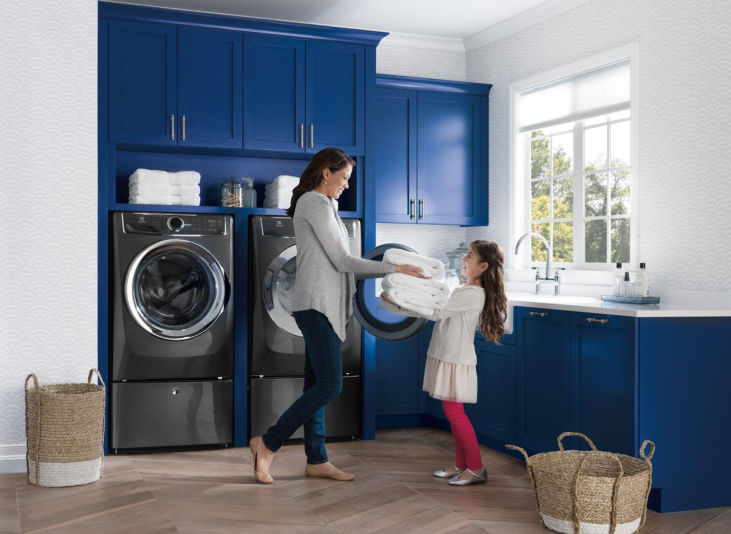 kit electrolux titanium front load washer and dryer laundry