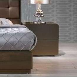 J and M Furniture 18150NS