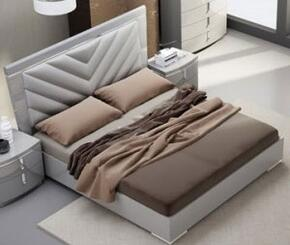 J and M Furniture 18215Q