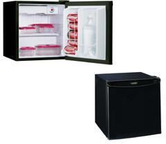 Danby DCR054BL  Compact Refrigerator with 1.7 cu. ft. Capacity in Black