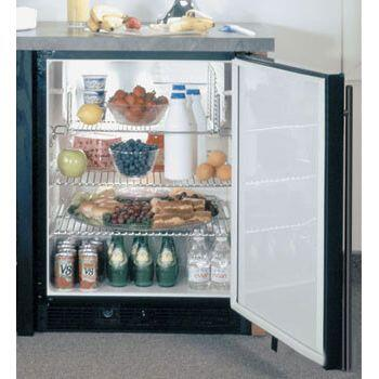 Marvel 6ADAMBBFL  Compact Refrigerator with 5.4 cu. ft. Capacity in Black