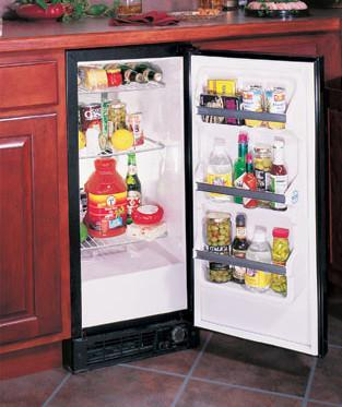 Marvel 30ARMSSFR  Compact Refrigerator with 2.90 cu. ft. Capacity in Stainless Steel