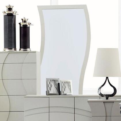VIG Furniture CHARMINGM  Rectangular Portrait Mirror